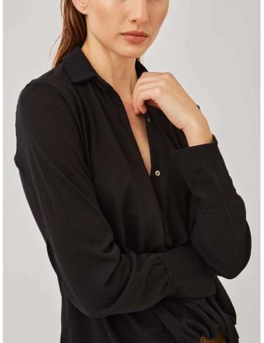 Camiseta Cruzada Negra